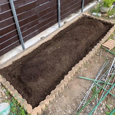 畑の畝作り